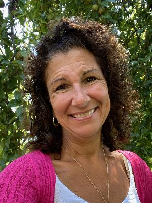 Jacqueline Decker